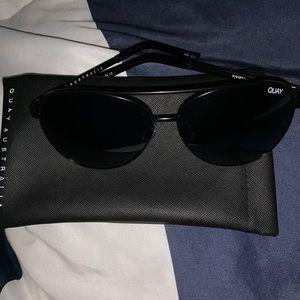 "Quay ""vivienne"" sunglasses 🕶"